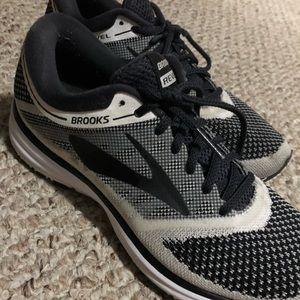 Women's Brooks Revel running shoes size 8.5